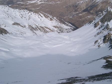 Parte alta del vallone di salita visto dalla cima
