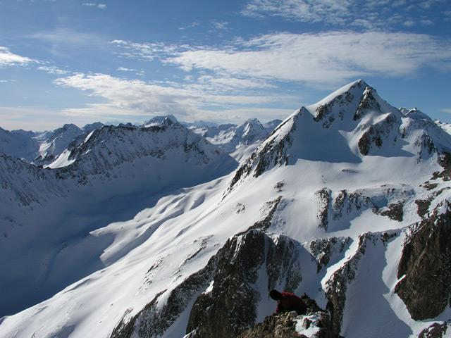 Corno Brunni e Punta Valrossa dalla cima dell'Helgenhorn