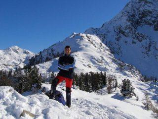 Sulla cima quotata 2055 m. dietro c'è Pian du Juc
