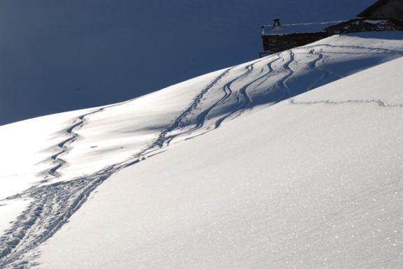 La neve com'era dai 2400 sino all'incontro della stradina pistata