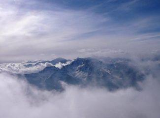 squarcio tra le nubi