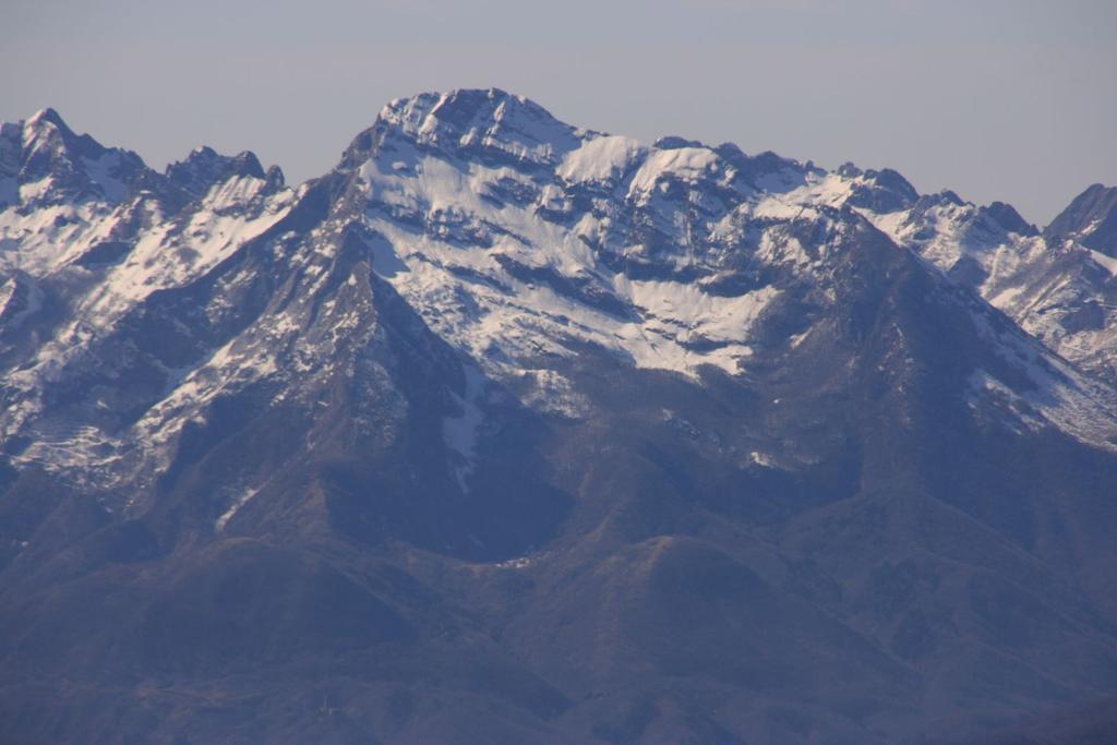 panorami dalla cima : Monte Pisanino (4-3-2007)
