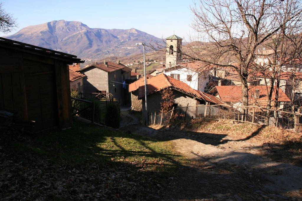 Casalino, il punto di partenza per l'escursione al Cusna (4-3-2007)