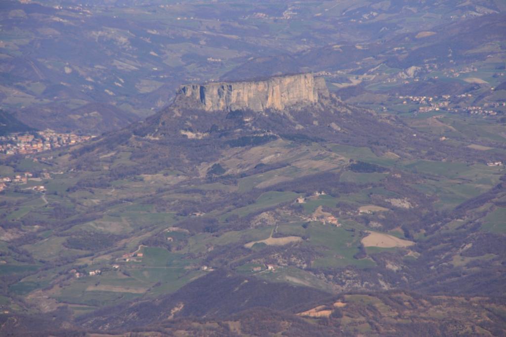 panorami dalla cima : Pietra di Bismantova (4-3-2007)