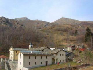 La Punta del Vallone (sulla destra) dal Santuario di Prascondù