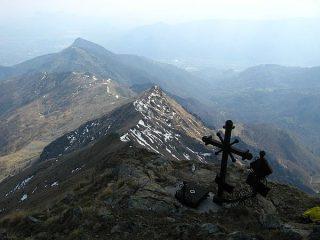 La lunga cresta che unisce Rocca Sella a P.ta della Croce