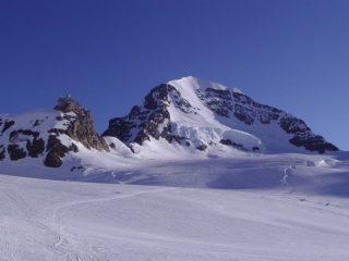 Monch e stazione di arrivo del trenino Jungfraujoch
