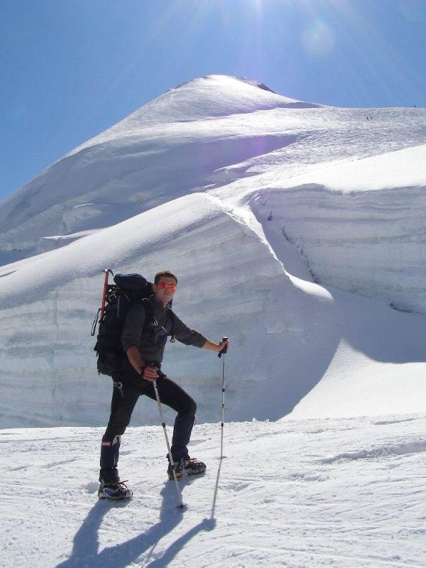 Grande crepaccio, sullo sfondo la cima dell'Allalinhorn