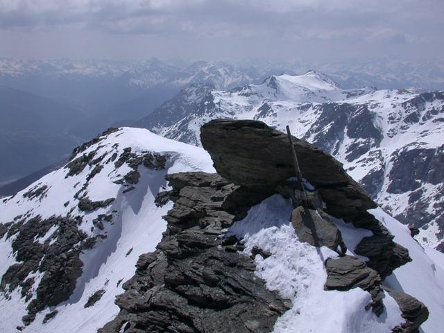 La cresta finale del Monte Niblè, mt. 3.365