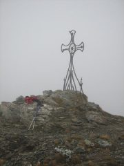 Una delle due punte del Cornet con la croce