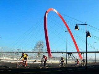 L'arco del Lingotto che sostiene la passerella olimpica