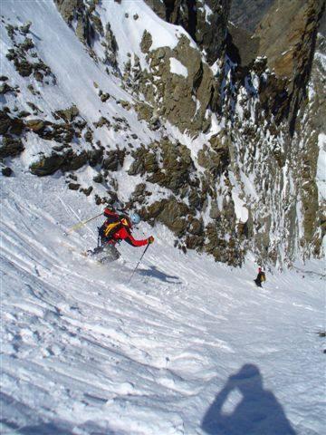 Rocco scia nella bella neve della parte alta