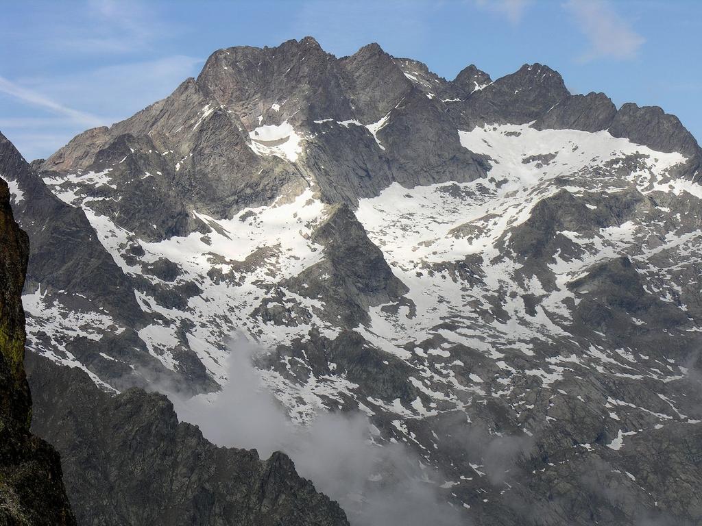 Panorami osservati dalla cima : Serra dell'Argentera (20-5-2007)