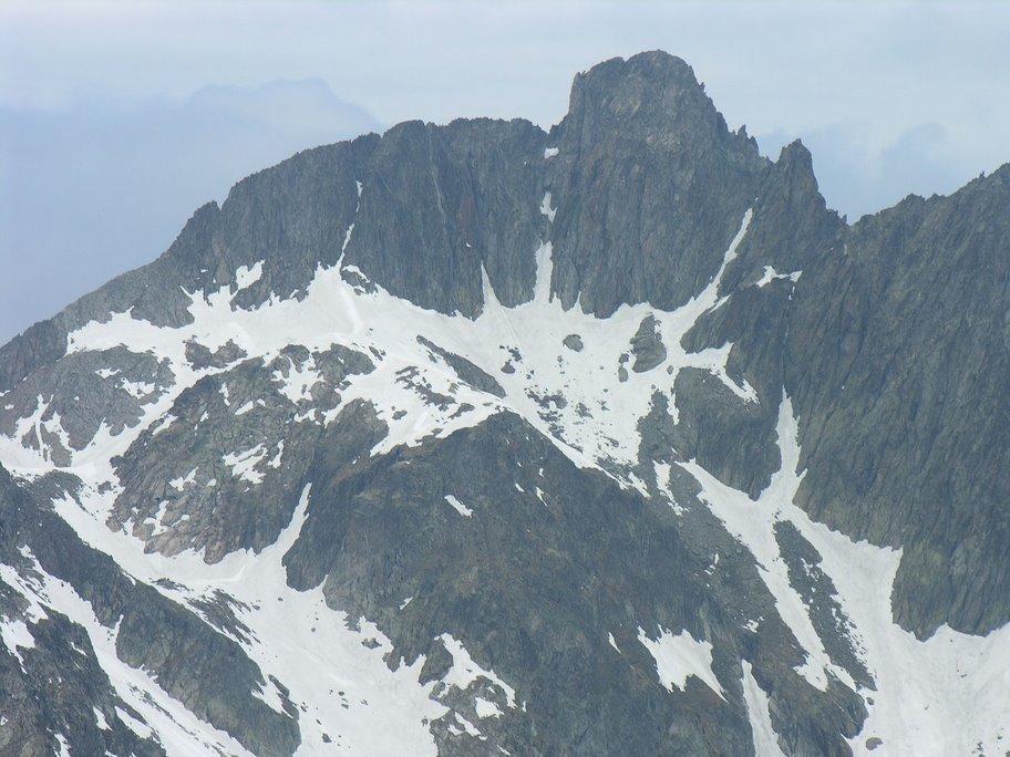 Panorami osservati dalla cima : Cima del Bastione m. 3066 (20-5-2007)