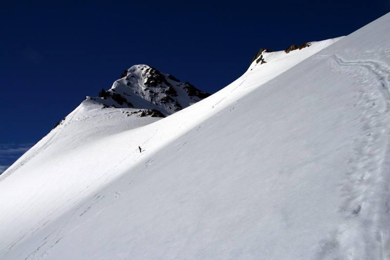 Il tratto alto del ghiacciaio dell'Ormelune, oggi in splendide condizioni.