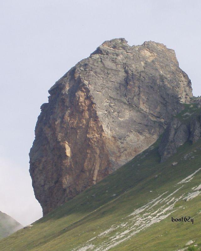 2007-06-10 02 rocca senghi da parcheggio