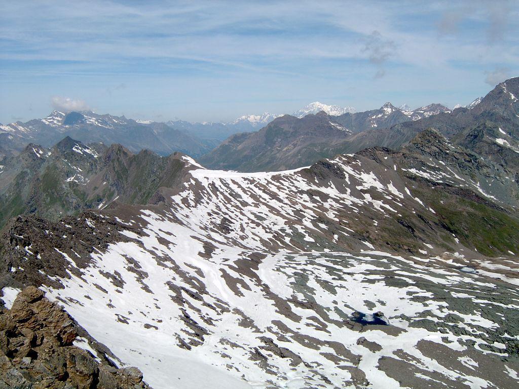 Panorama verso ovest con sfondo Monte Bianco