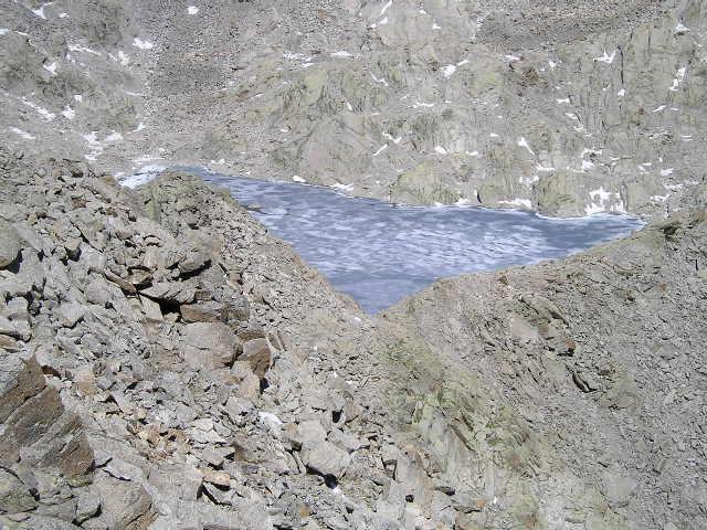 lago gelato dalla piata di lazin
