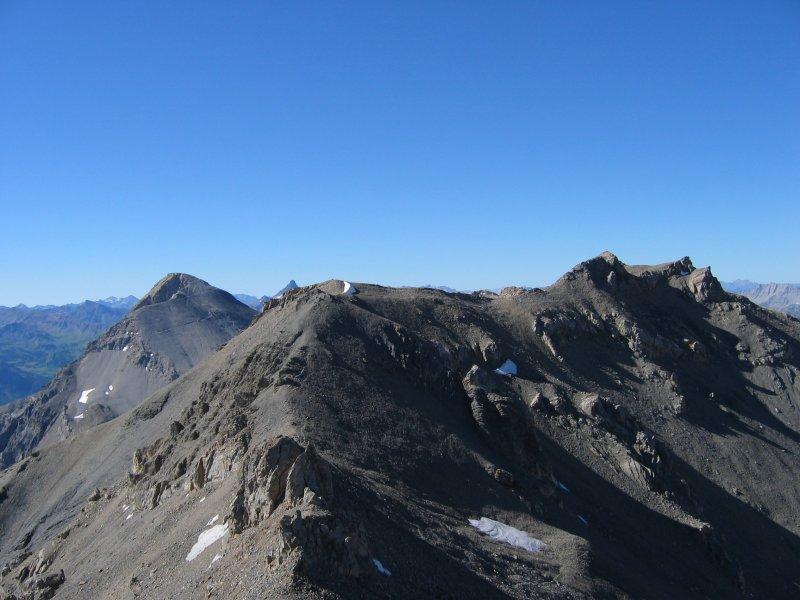 La cresta del Rochers Charniers e lo Chaberton dalla vetta