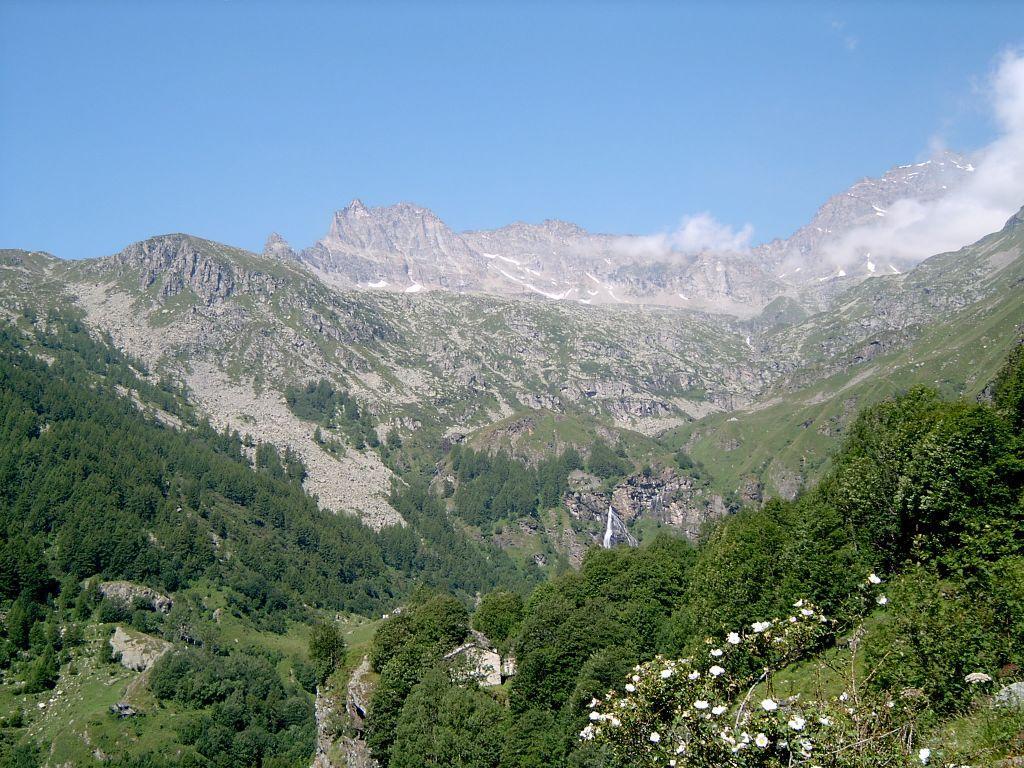 Il Vallone del Roc, con in alto la Cima di Courmaon