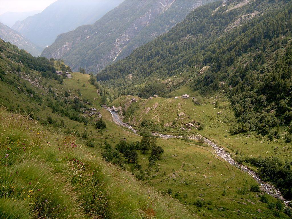 Vista dall'alto delle borgate Cappelle, Potes e Borgovecchio