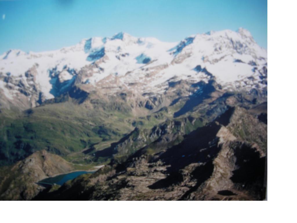 Il lago Gabiet e il M.Rosa dalla Ciampono..