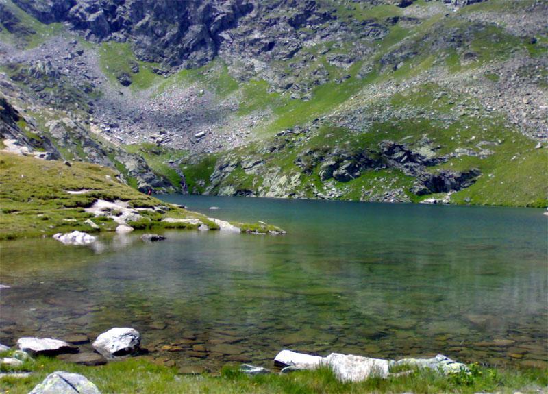 Il Lac du Fond, veduta dall'arrivo del sentiero