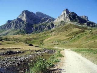 La cima delle Saline al centro sullo sfondo