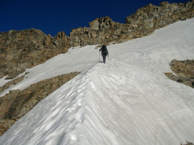 la crestina che adduce al nevaio superiore