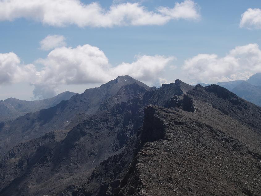 tutta la cresta sino alla Punta Ramiere sullo sfondo