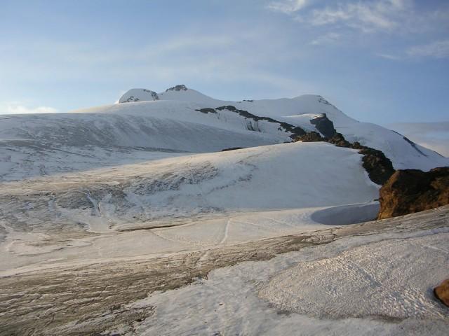 Zufall Spitze (o cima Cevedale) a sinistra ed elevazione massima a destra, dalla terrazza della Casati