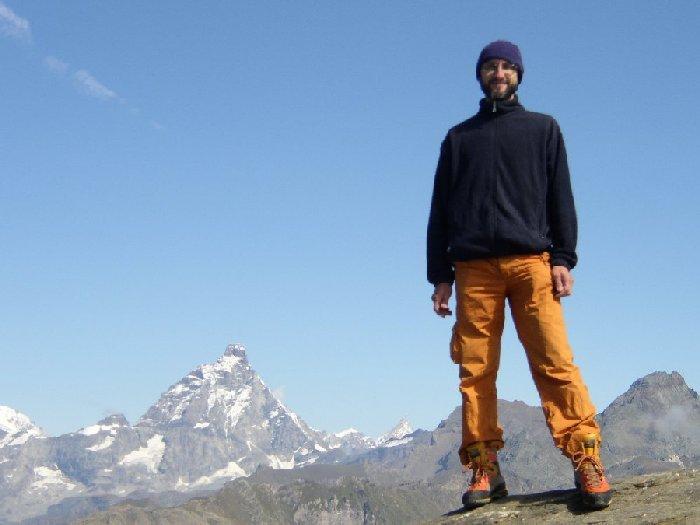 In cima allo Zerbion, Cervino sullo sfondo.