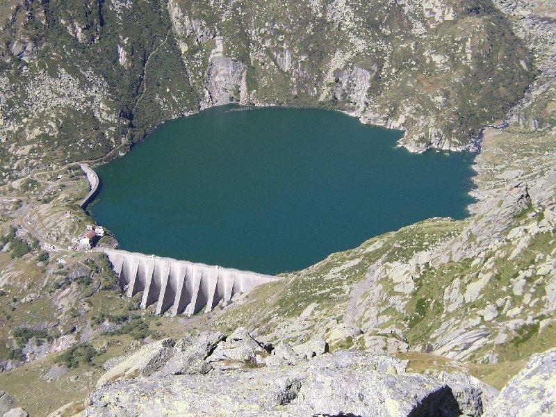 Zommata sul lago Eugio dalla cima Testona.