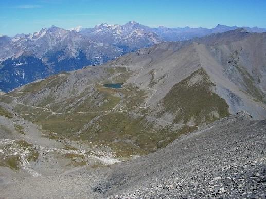 Panorama verso la francia; si intravedeno gli impianti sciistici di Val Frejus