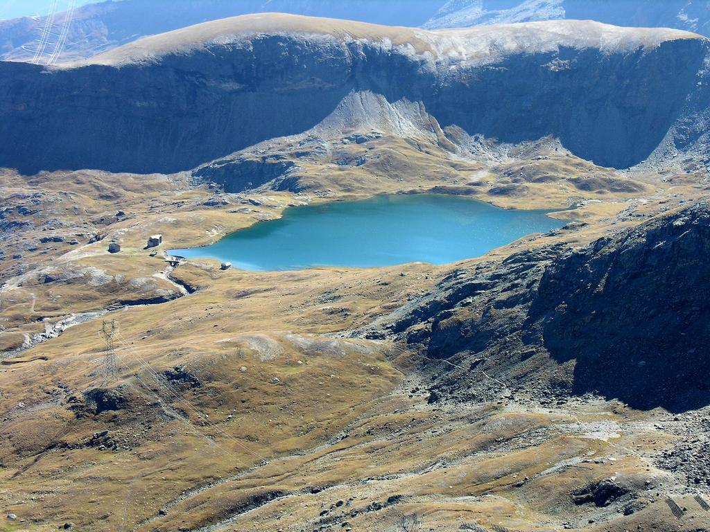 panorami osservati dalla cima : conca e Lago del Miserin (9-9-2007)