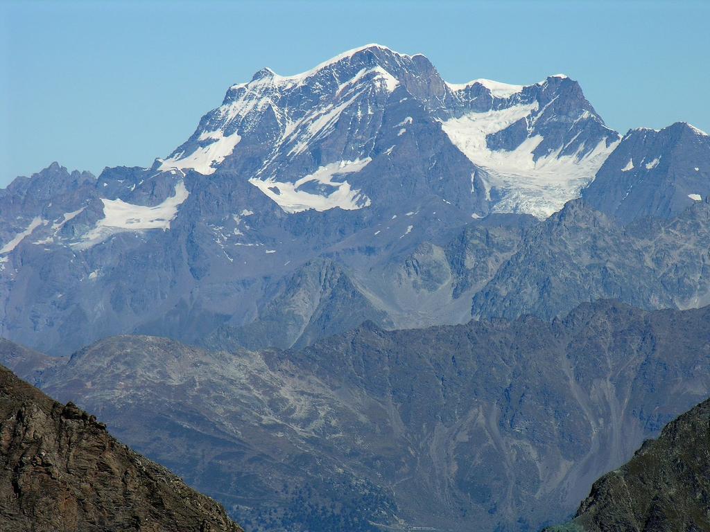 panorami osservati dalla cima : Grand Combin m. 4314 (9-9-2007)