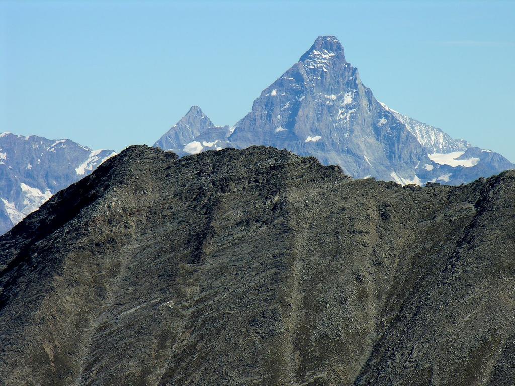 panorami osservati dalla cima : Monte Cervino m. 4478 (9-9-2007)
