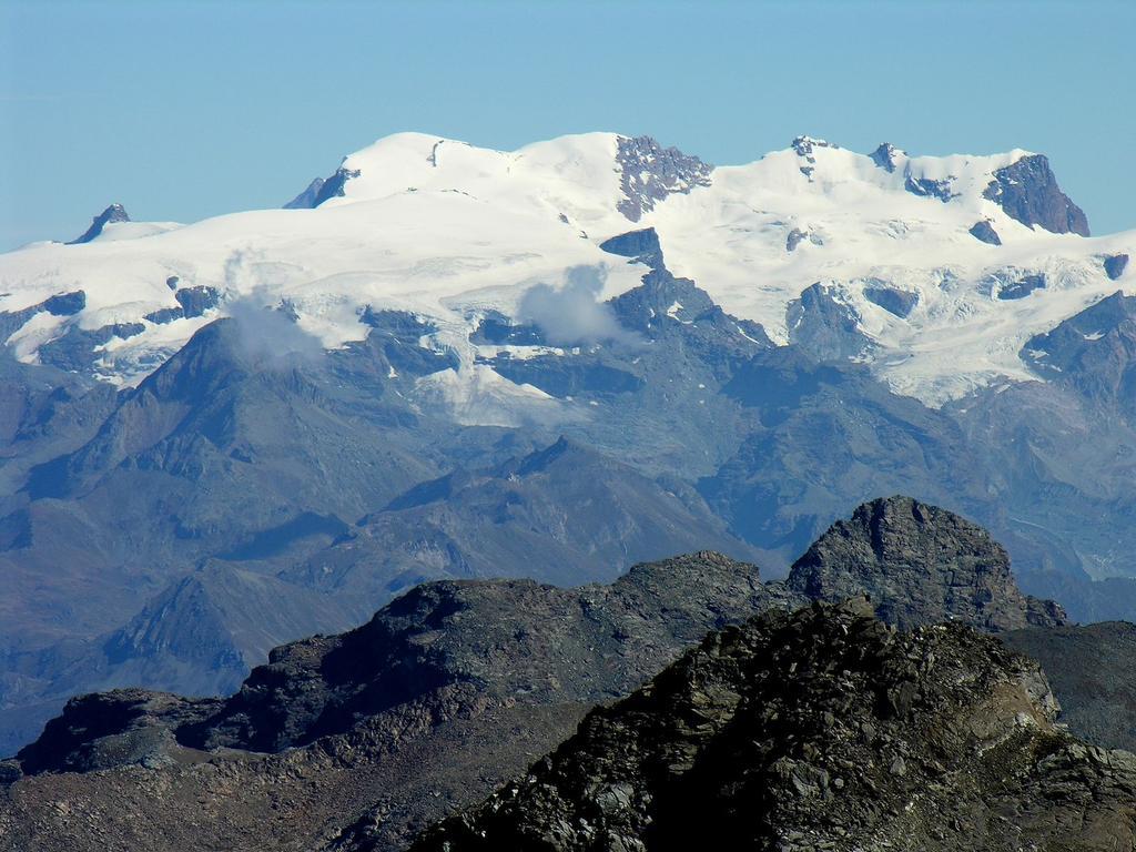 panorami osservati dalla cima : la catena del Breithorn, dal Breithorn Occidentale m. 4165 alla Roccia Nera m. 4075 (da sinistra a destra) (9-9-2007)