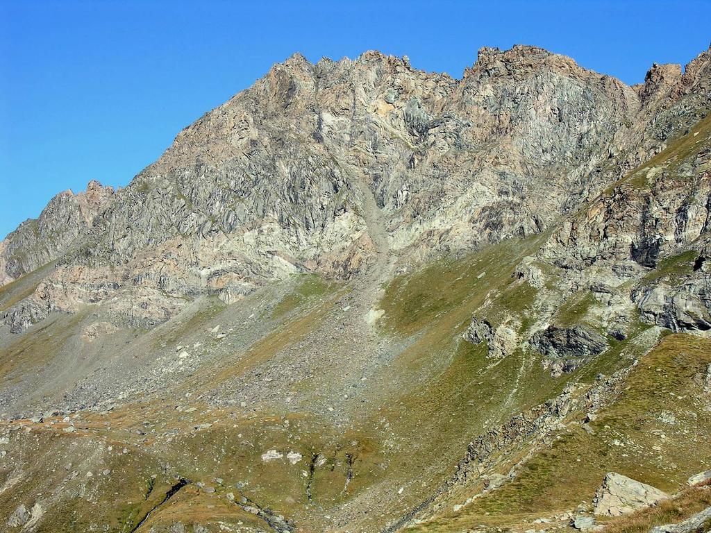 Mont Delà m. 3140 dal sentiero che porta al Col Fenis (9-9-92007)