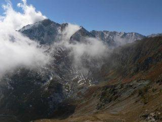 Sbuffi di nebbie su Punta Plenc