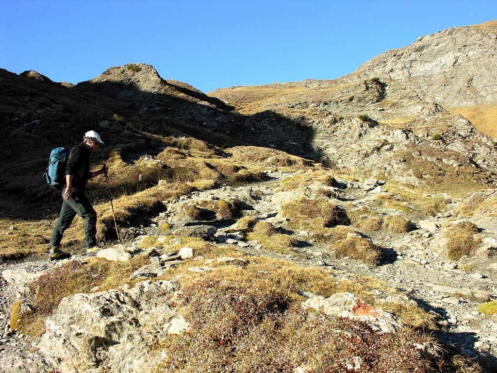 Davide sale verso il Col Longet (14-10-2007)