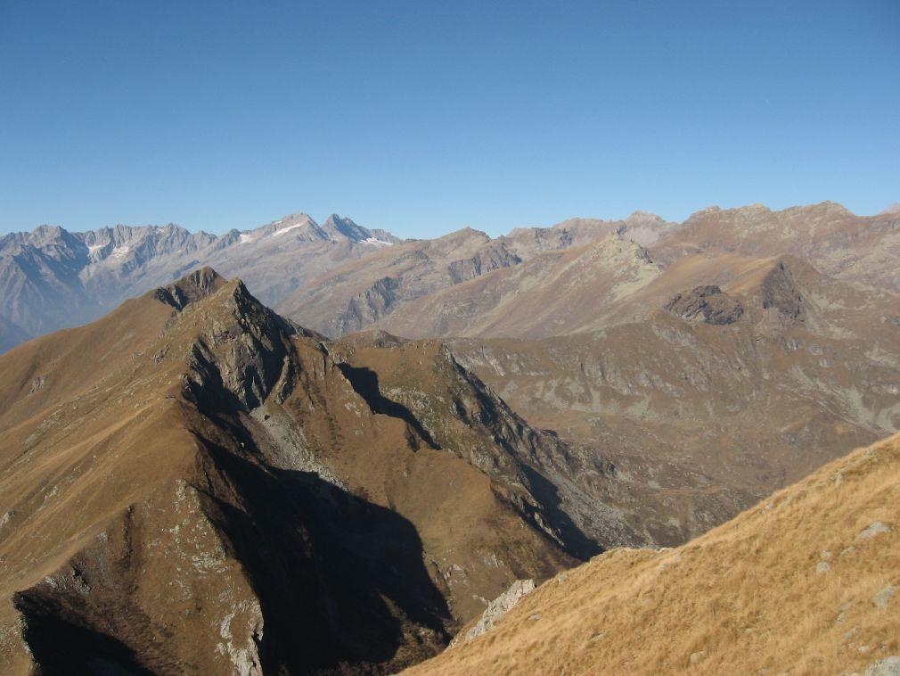 Dalla Rossa, vista su Punta Marsè, Bellavarda e le Levanna