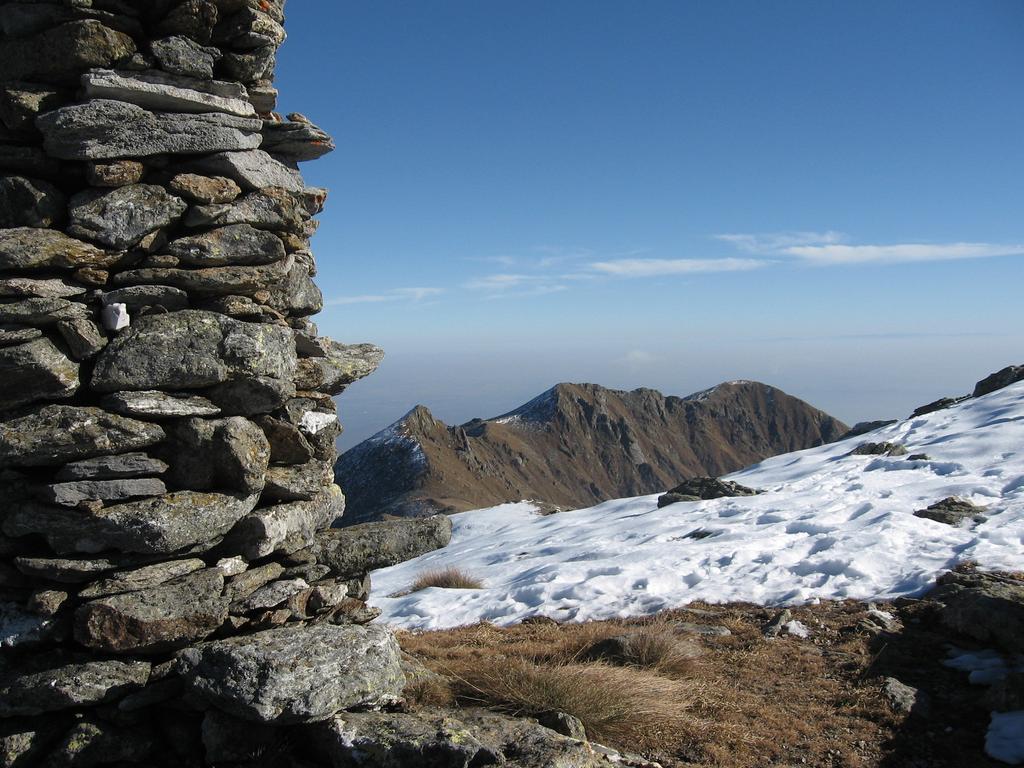 La torretta della Cima Vallone e tutta la cresta fino al Monte Gregorio