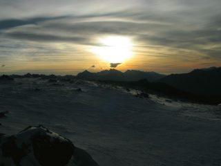 le prime luci dell'alba dal Bivacco Rosaire-Clermont (11-11-2007)