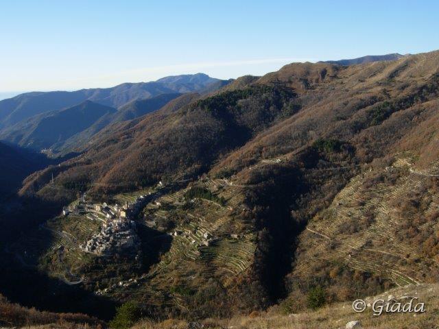 La valle verso Carpasio