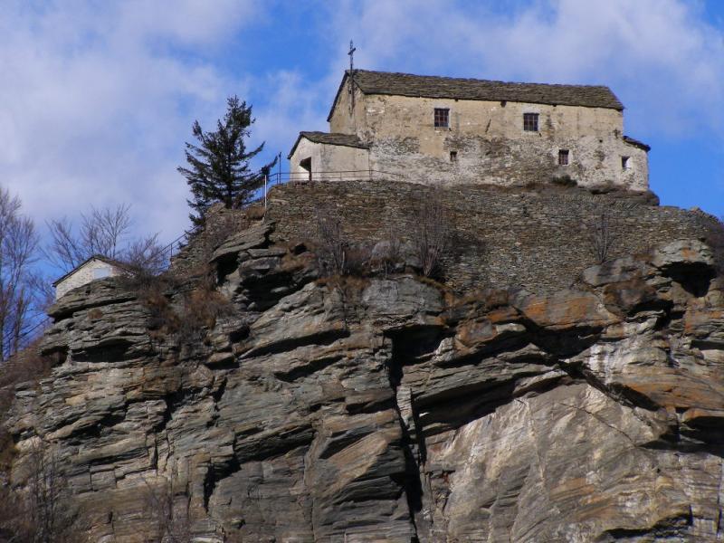 Monte Santa Cristina visto da un vicino promontorio panoramico