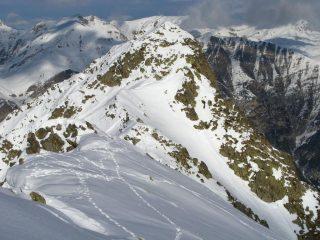 panorami dalla cima : la vicina Cima del Rous (30-12-2007)