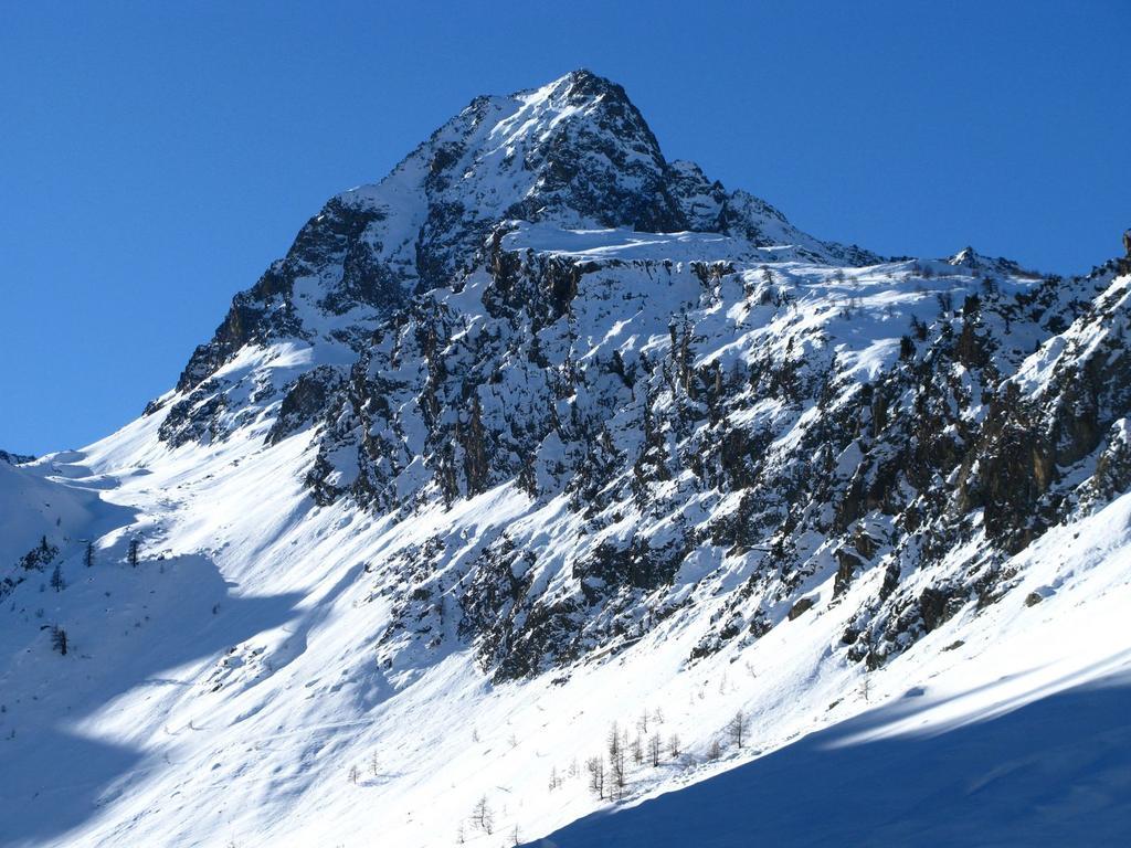 una bella visuale sull'imponente Becco Alto del Piz (29-12-2007)