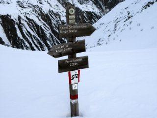 cartelli segnaletici al Passo delle Scolettas (30-12-2007)