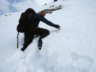 Luca sfonda e arranca nella neve...ma non molla ! (30-12-2007)